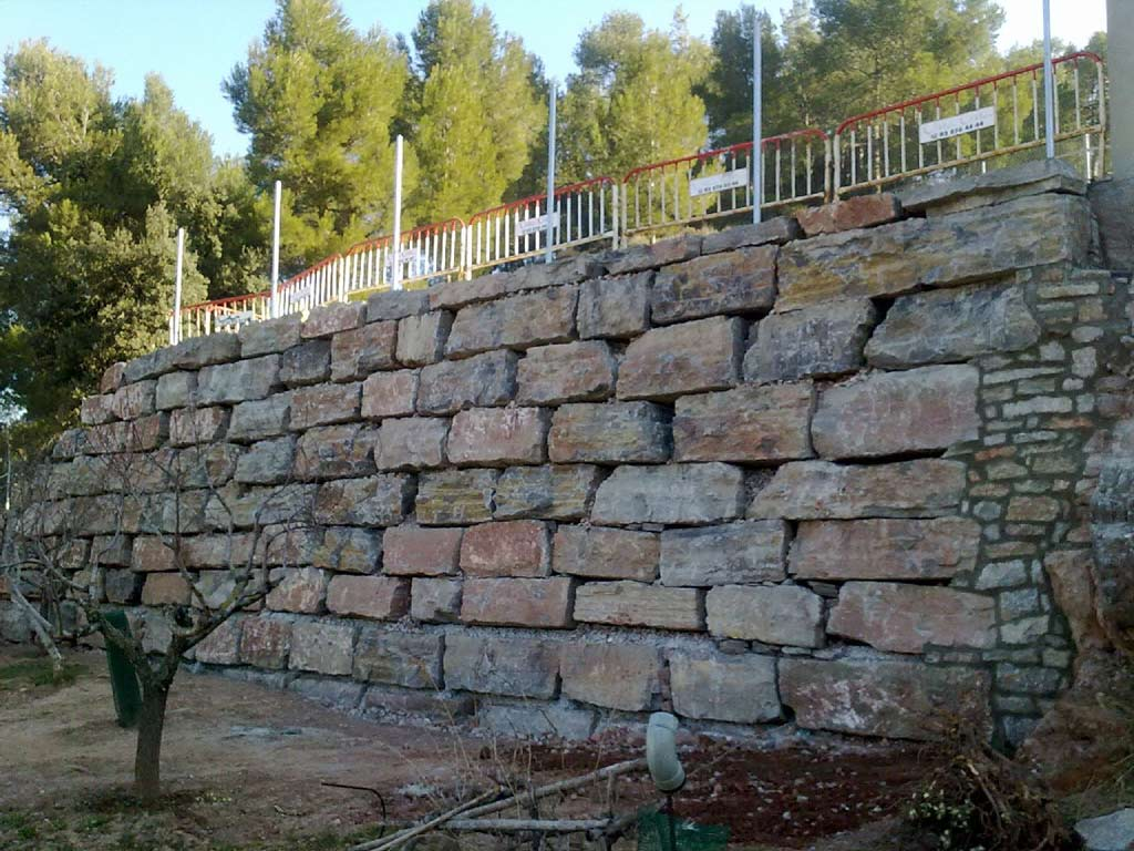 Muros de contenci n - Muros de rocalla ...